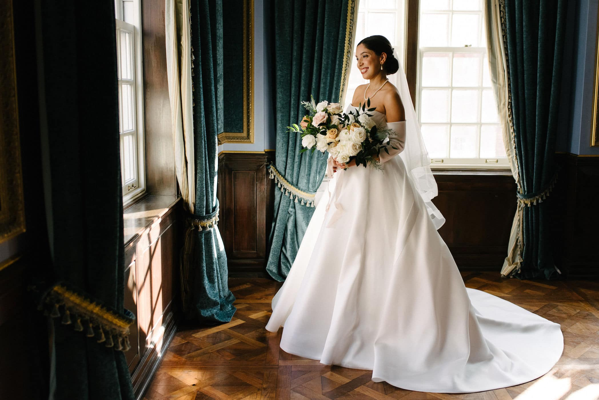 Wedding at Four Seasons Hotel Toronto, Toronto, Ontario, Mango Studios, 7